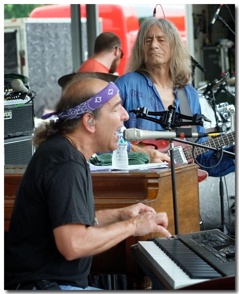 ROB BARRACO, & ROBIN SYLVESTER, LIKE FATHER LIKE SON